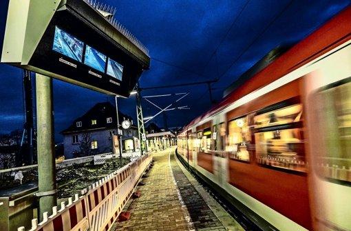 Auf Bahnsteig 1 am Bahnhof Feuerbach spielte sich am 17. Dezember 2015 der tödliche Unfall ab Foto: Lichtgut/Max Kovalenko