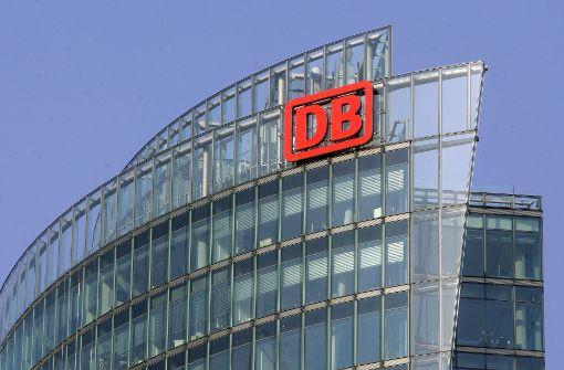 Die Deutsche Bahn will sich bei den Fahrgästen entschuldigen. Foto: AP