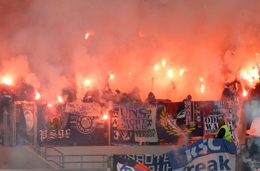 Bundesweite Stadionverbote für Fußballfans zulässig