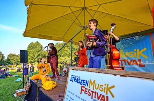 Internationale Straßenmusiker erobern das Blühende Barock