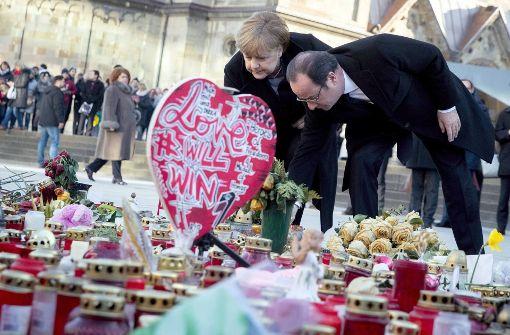 Merkel will sich Kritik von Angehörigen stellen