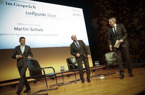 SPD-Kanzlerkandidat Martin Schulz (Mitte) mit den Chefredakteuren Christoph Reisinger (StN, links) und Joachim Dorfs (StZ, rechts). Foto: Lichtgut/Piechowski
