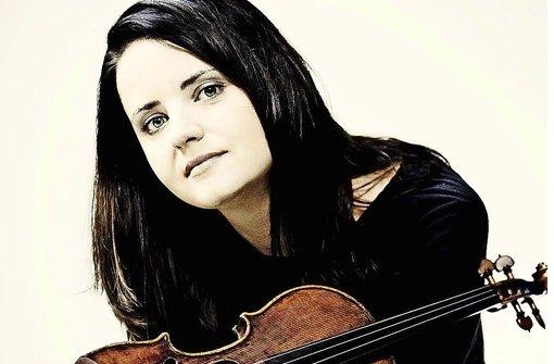 Teil eines innig einander zugetanen Dreigesangs: Violinistin Baiba Skride Foto: Veranstalter