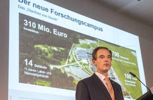 Bosch-Chef Denner bei einer Präsentation zum Renninger Forschungszentrum Foto: factum/Weise