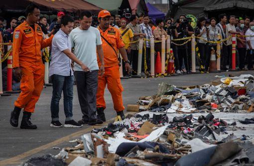 Wrackteile von abgestürztem Flugzeug entdeckt