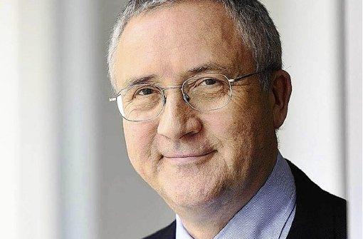 """""""Wir gehen juristisch gegen Parteichef Bernd Lucke vor"""", sagt Forsa-Chef Manfred Güllner. Foto: dpa"""
