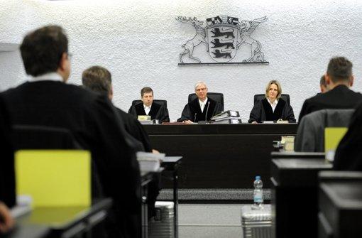 Am Landgericht Stuttgart haben am Freitag im zweiten Prozess gegen den Vater des Amokläufers von Winnenden und Wendlingen die  Anwälte der Nebenklage mit ihren Plädoyers begonnen. Foto: dpa