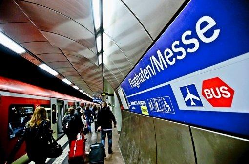 In der S-Bahn-Station sollen nach den Plänen der Bahn künftig auch Fern- und Regionalzüge halten. Foto: Leif Piechowski