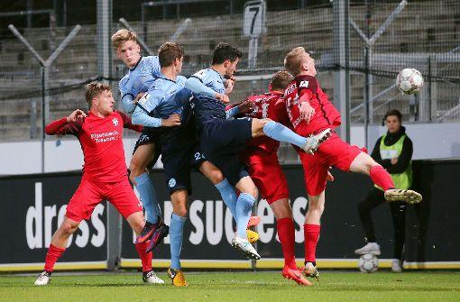 Stuttgarter Kickers verspielen klare Führung