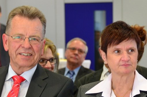 SPD-Fraktionschef Walter Bauer hat Schwierigkeiten auch mit dem Inhalt eines Briefs, den Oberbürgermeisterin Gabriele Dönig-Poppensieker nach Meinung vieler in Sachen S21 zu spät verschickt hat. Foto: Archiv Norbert J. Leven