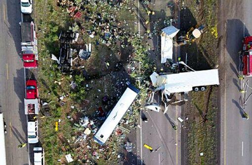 Eine Luftaufnahme zeigt das Ausmaß des schrecklichen Unfalls. Foto: New Mexico State Police