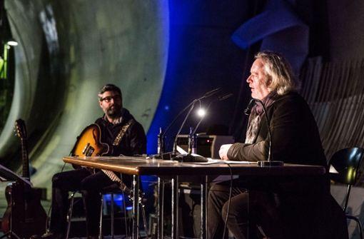 Jo Ambros und Gregor Seberg im Kriegsbergtunnel. Foto: Lichtgut/Julian Rettig