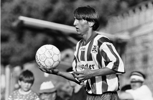 Tayfun Korkut begann seine Spielerkarriere bei den Stuttgarter Kickers. Für die Blauen stand er für 14 Spiele auf dem Platz. Anschließend spielte er beim türkischen Erstligisten Fenerbahçe Istanbul, danach bei Real Sociedad, Espanyol Barcelona und auch bei Besiktas Istanbul. Foto: Pressefoto Baumann