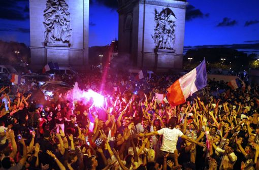 Freudentaumel in Paris nach Frankreichs Final-Einzug