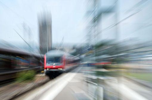 Viele Züge fallen wegen Brückenabriss aus