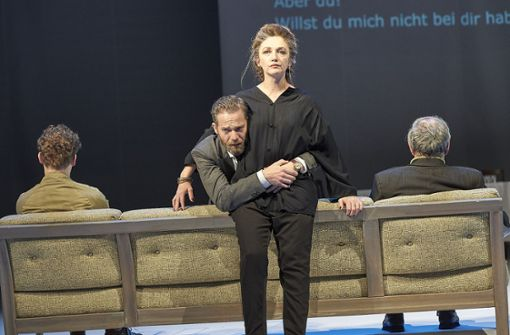 """Schauspiel Stuttgart: Burkhard C. Kosminski inszeniert Mouawads """"Vögel"""""""