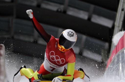 Skeletonpilotin Lölling holt Olympia-Silber