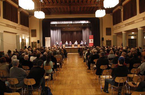 Kandidaten auf dem Podium