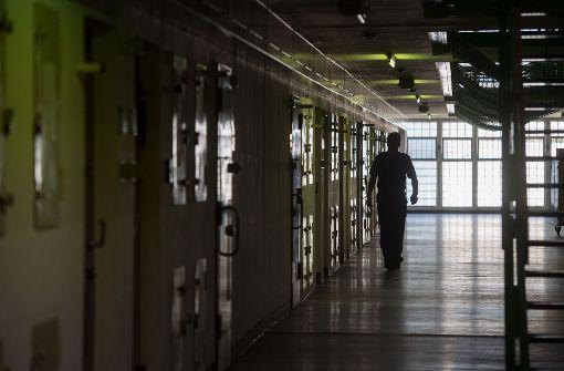 Verurteilter Mörder nimmt sich in der Zelle das Leben
