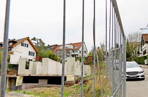 Ein Nachtclub an der Birkheckenstraße? Oder doch ein Wohnhaus? Nichts Genaues weiß man nicht. Foto: Judith A. Sägesser