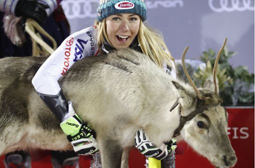 Shiffrin gewinnt Slalom-Auftakt