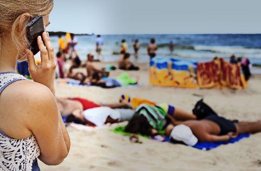 Telefonische Grüße vom Strand sind künftig keine Kostenfalle mehr. Foto: dpa