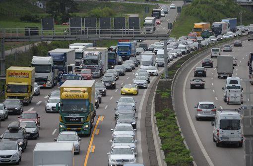 Experten fürchten Autobahn-Kollaps am Freitag