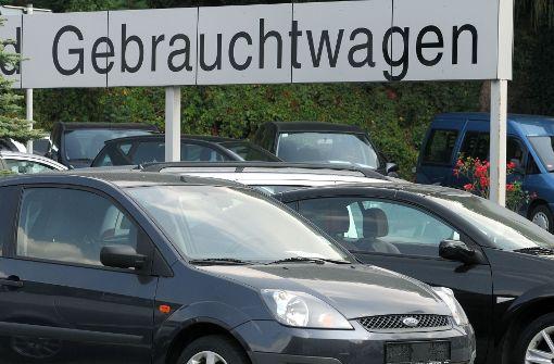 Das in Stuttgart 2018 kommende Diesel-Fahrverbot drückt die Preise der davon betroffenen Gebrauchtwagen bei den Autohändlern. Foto: dpa