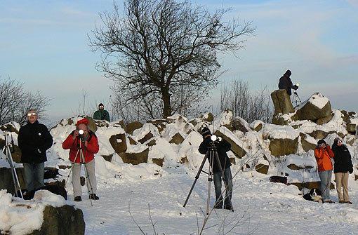 Auf dem Birkenkopf hatten viele Fotografen ihr Stativ aufgebaut, um das Himmelsspektakel über Stuttgart einzufangen. Foto: Leserfotograf city-tiger
