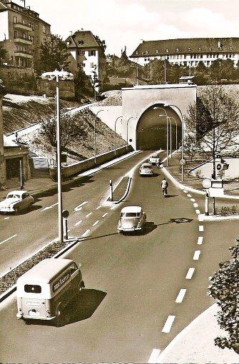 Blick auf den Wagenburgtunnel vom Stuttgarter Osten aus: Ende der 1950er ist dieses Foto entstanden.  Foto: Thomas Mack