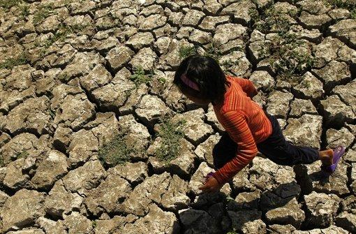 Wird die Erde durch den Klimawandel wärmer und trockener, werden ganze Gebiete nicht mehr bewohnbar sein. Flucht und Konflikte um Ressourcen können die Folge sein. Foto: EPA
