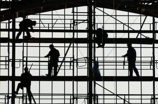 Der Aufschwung wird ausgebremst: Für das erste Quartal 2013 halten die Experten für Baden-Württembergs Wirtschaft nur noch rund 0,5 Prozent Zuwachs für realistisch.  Foto: dpa