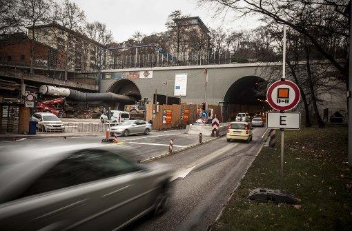 Heute herrscht vor dem Wagenburgtunnel ein Verkehrschaos.  Foto: Lichtgut/Leif Piechowski