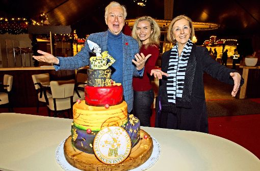 In Feierlaune: Henk van der Meijden, Elisa van der Meijden und  Hetty Vermeulen (von links) Foto: Oliver Willikonsky