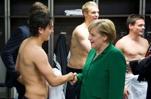 """Bundeskanzlerin: """"Mesut Özil ist ein toller Fußballspieler"""""""