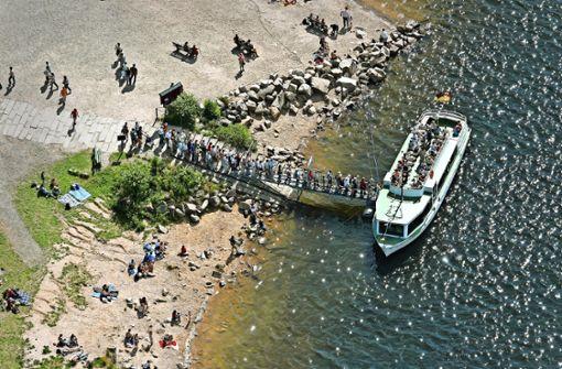 Der Pegel wirkt sich auf die Freizeitaktivitäten am Schluchsee aus – beispielsweise wird das Anlegen für Schiffe schwieriger, je niedriger der Wasserstand ist. Foto: Grohe/Archiv