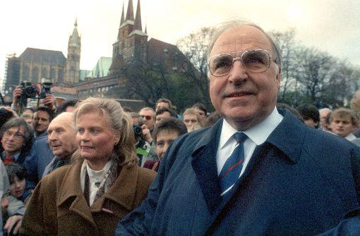 Trauer um Altkanzler Kondolenzbuch für Helmut Kohl im Bonner Bundeskanzleramt