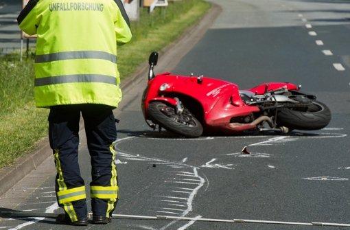 Motorradfahrer stirbt nach Unfall