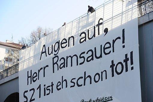 Anti-S21-Banner am Wagenburgtunnel