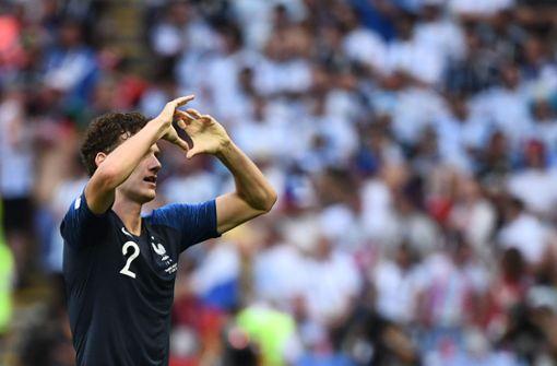 Beim Spiel gegen Argentinien schickte Benjamin Pavard seiner Freundin ein Herz auf die Tribüne. Foto: AFP