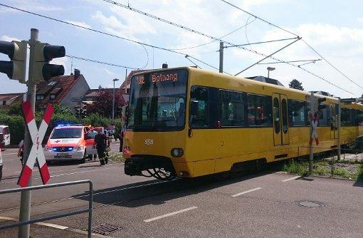 Weil ein Passant unter die Gleise der U2 geriet, kam es zu einer Streckensperrung.  Foto: Andreas Rosar