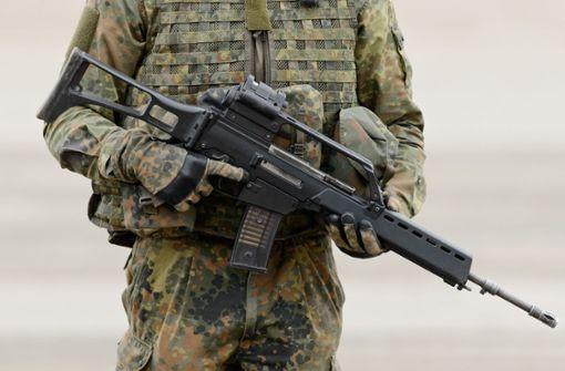 Dutzende Schusswaffen und mehrere Tausend Schuss entwendet