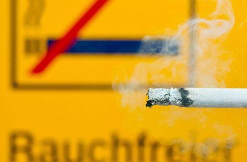 19-Jährige und 41-Jähriger schlagen wegen Zigarette zu