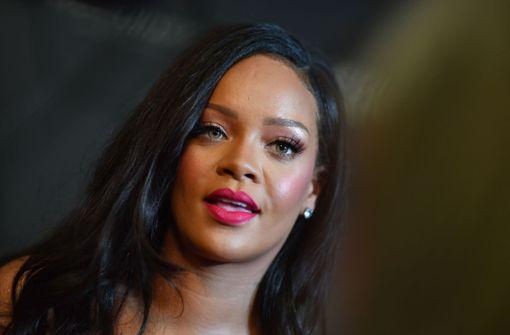 Rihanna fordert Unterstützung für Kinder von der Bundeskanzlerin