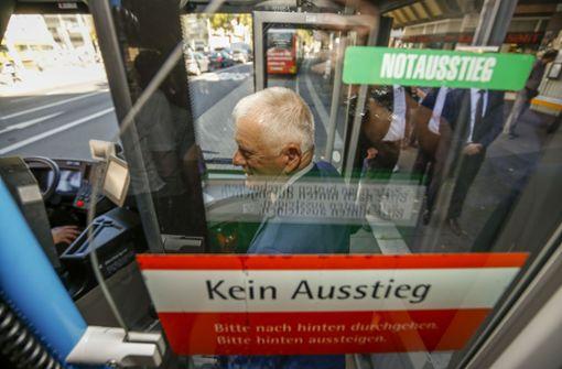 ... die Oberbürgermeister Fritz Kuhn (Grüne) am Freitag ... Foto: Lichtgut/Leif Piechowski