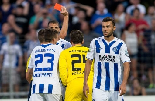 Das angebliche Angebot des VfB Stuttgart an den KSC-Verteidiger Manuel Gulde hat es nie gegeben. Foto: dpa