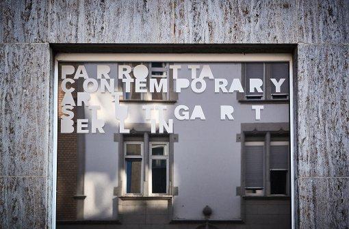 """Bühne der Gesprächsreihe """"Über Kunst"""": Galerie Parrotta Foto: Steffen Schmid"""