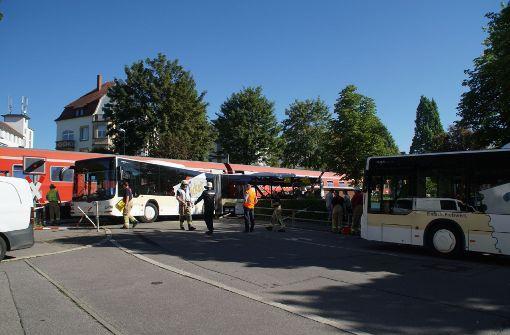 Zug mit Southside-Rückreisenden kollidiert mit Bus