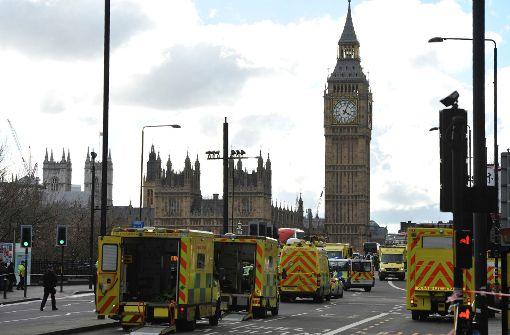 """Premierministerin May verurteilt Anschlag als """"krank und verkommen"""""""