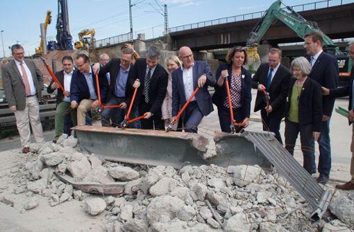 Spatenstich: Ausbau der A8 bei Pforzheim beginnt